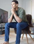 Esprit – Schmal geschnittene Jeans in Dunkelblau